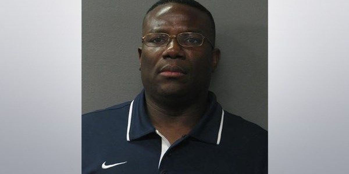Jeanerette Police Chief arrested in connection to Lipsticks bust