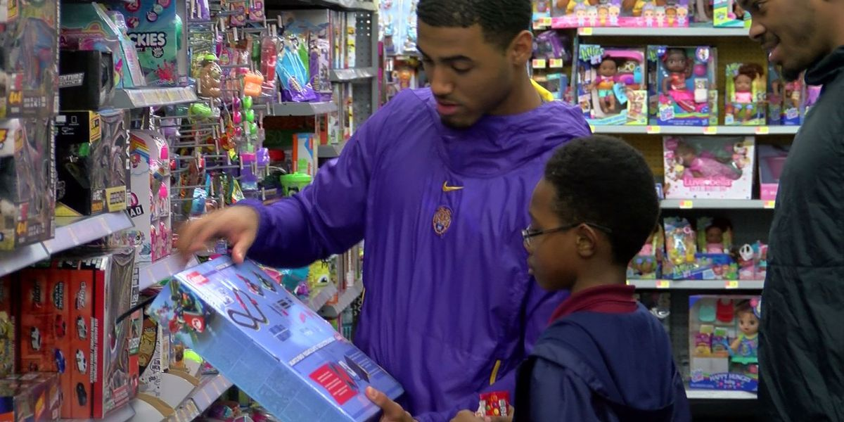 LSU men's basketball team holds annual shopping spree for kids in BR