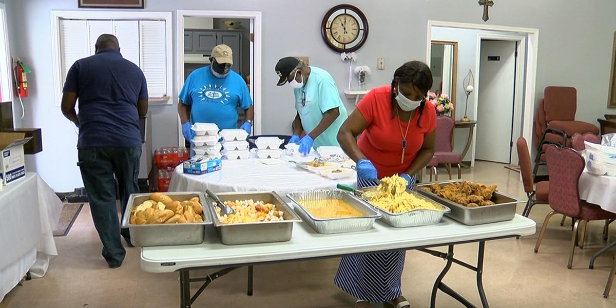 Antioch Full Gospel Baptist Church holds lunch for veterans, front line workers on Veterans Day