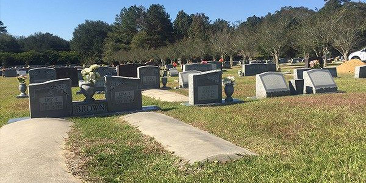 Several caskets reburied at Livingston Parish cemetery after August flood