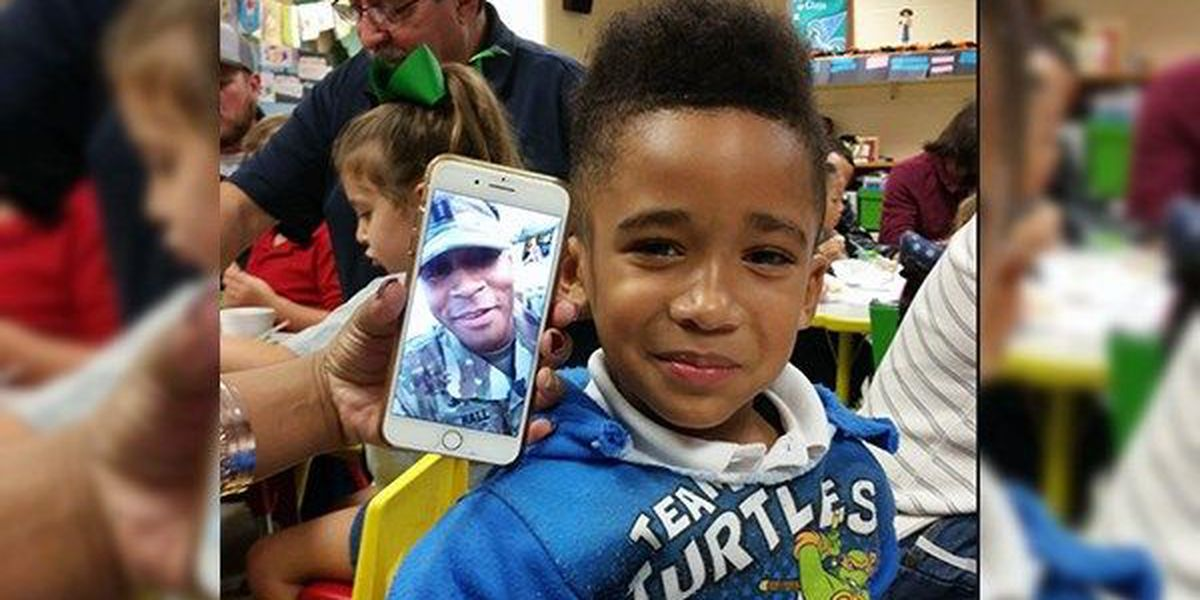 Son experiences school event with deployed military dad through FaceTime