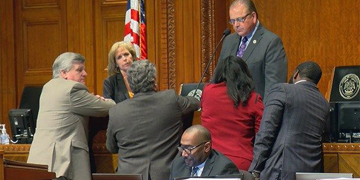 SPECIAL SESSION 2018: Lawmakers call it quits, leaving budget mess unfixed