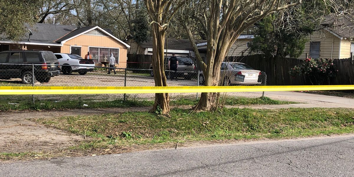 Police responding to double shooting on North 38th St.