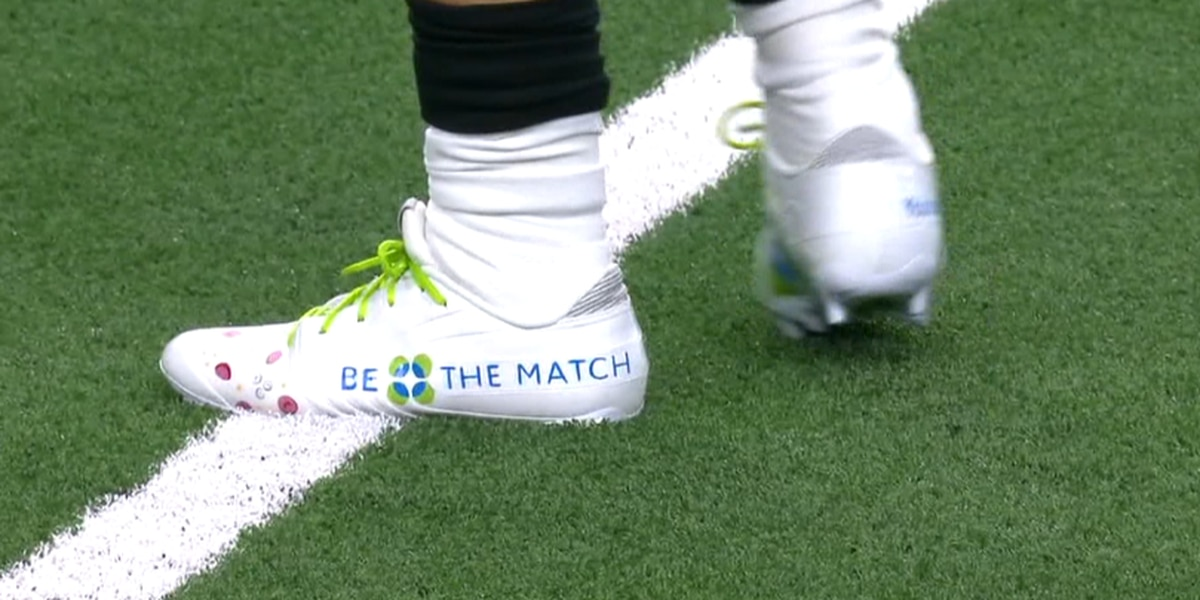 Saints running back wears cleats, becomes donor to bring awareness to local man battling leukemia