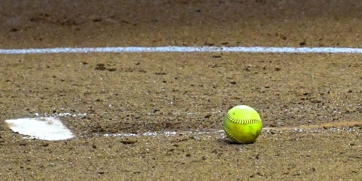 No. 9 LSU softball falls 6-5 to Texas A&M in Game 3