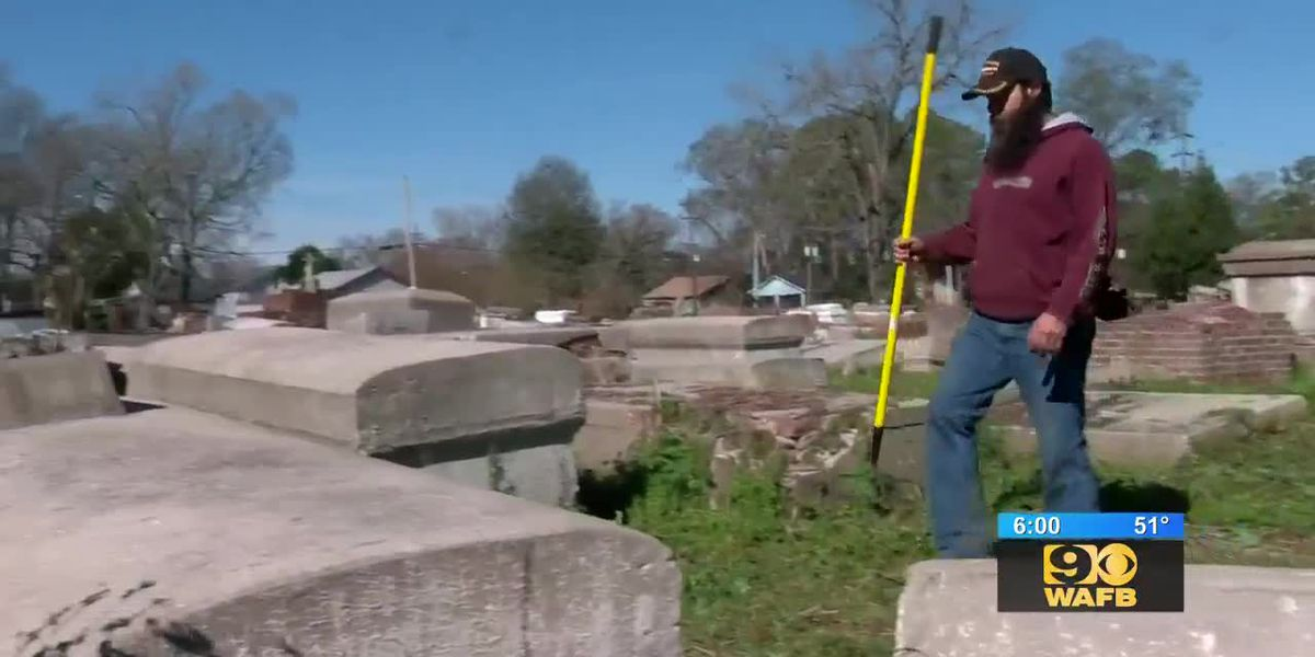 Dozens clean up cemetery to celebrate MLK day