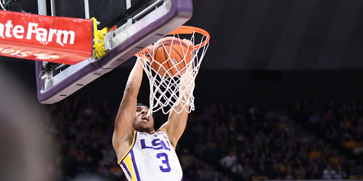 LSU remains unbeaten in SEC with 89-67 win over South Carolina