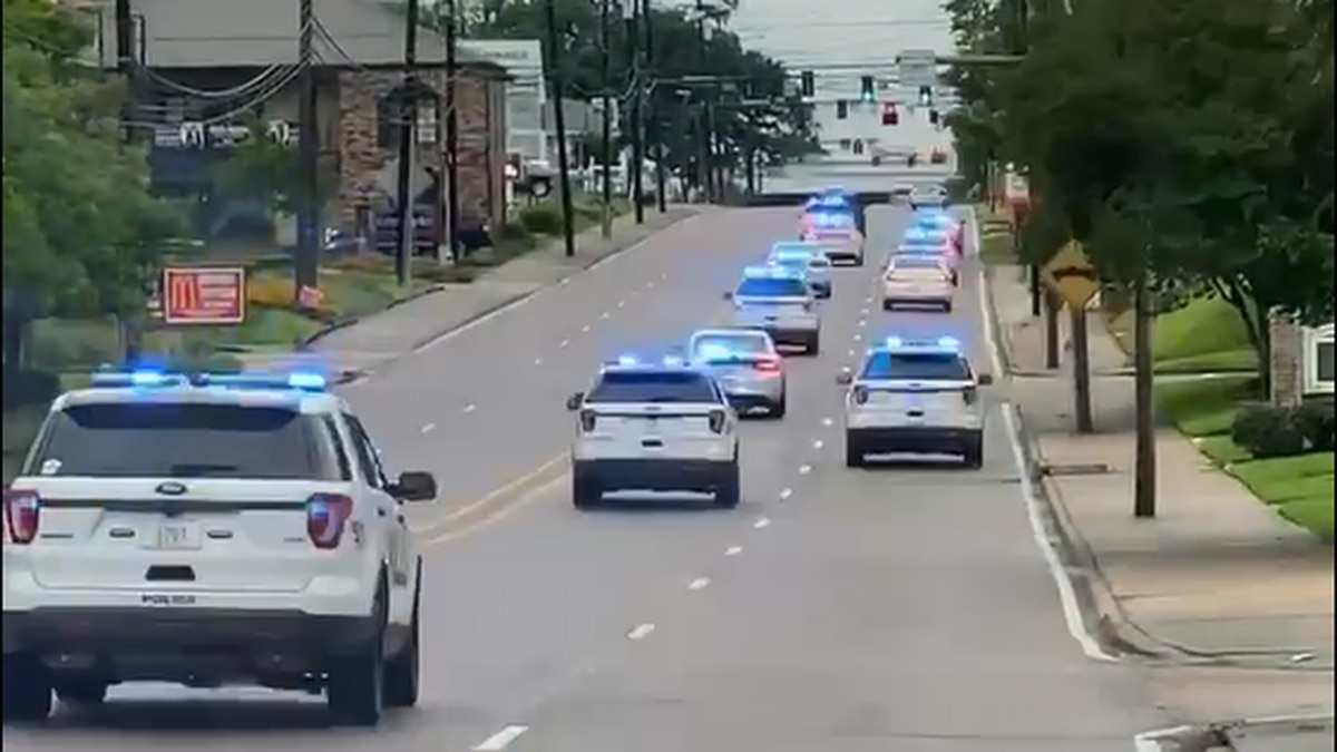 Suspect in custody following lengthy police chase through Baton Rouge, officials say