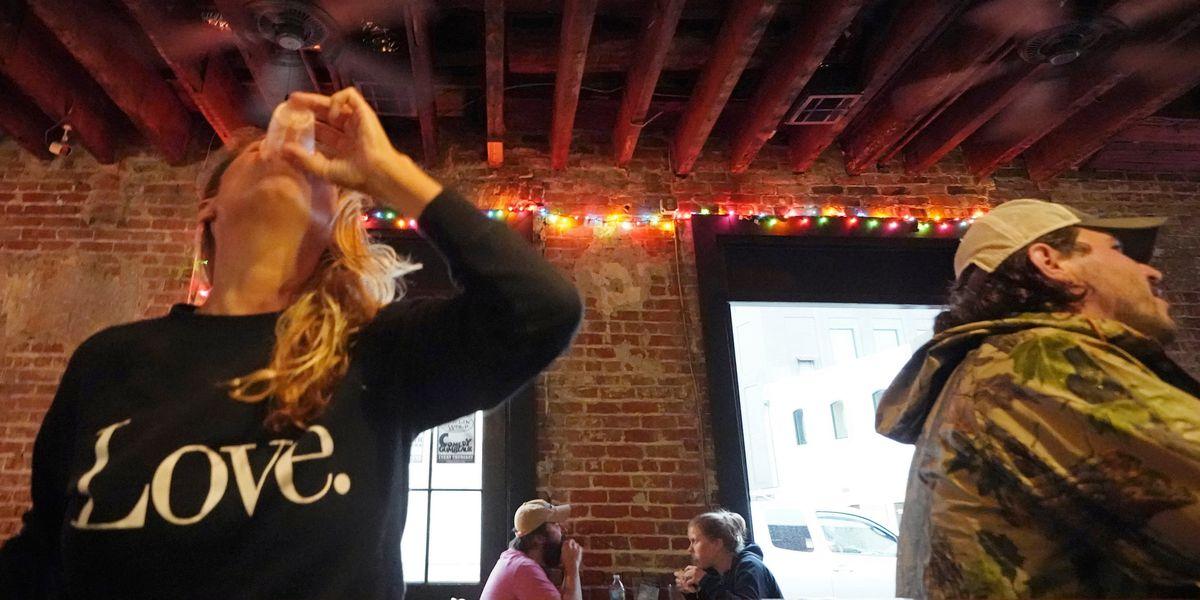 Free rides, beer and savings bonds: Vaccinators get creative
