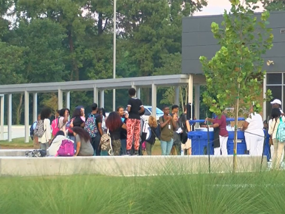 Parents, teachers want more details about EBR early start date; town hall scheduled for next week