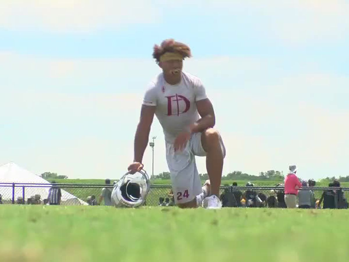 Dunham's Derek Stingley named finalist for National Player of the Year