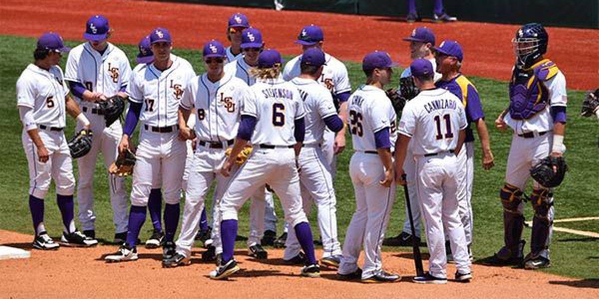 SCORE UPDATES: LSU Baseball defeats UNCW in second round nailbiter