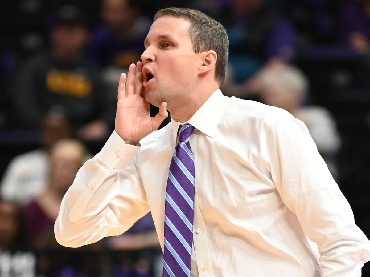 Williams, Days power LSU past New Orleans 90-54