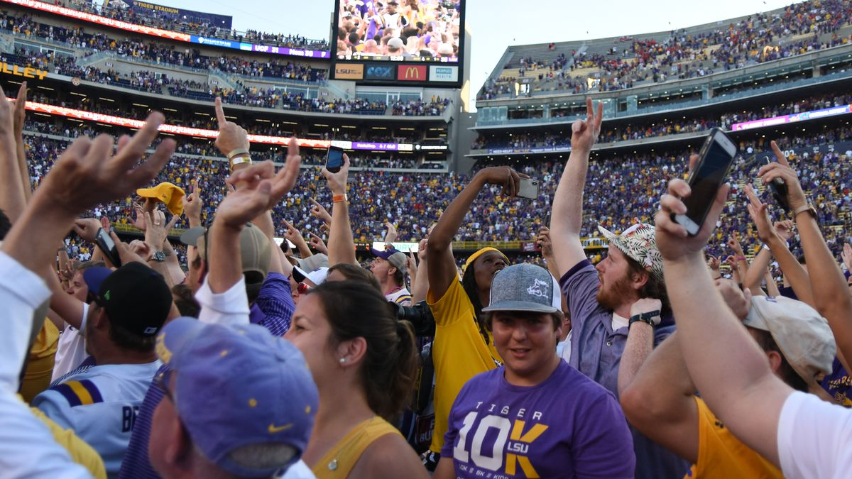 LSU fined $100,000 for fans storming field after win over Georgia