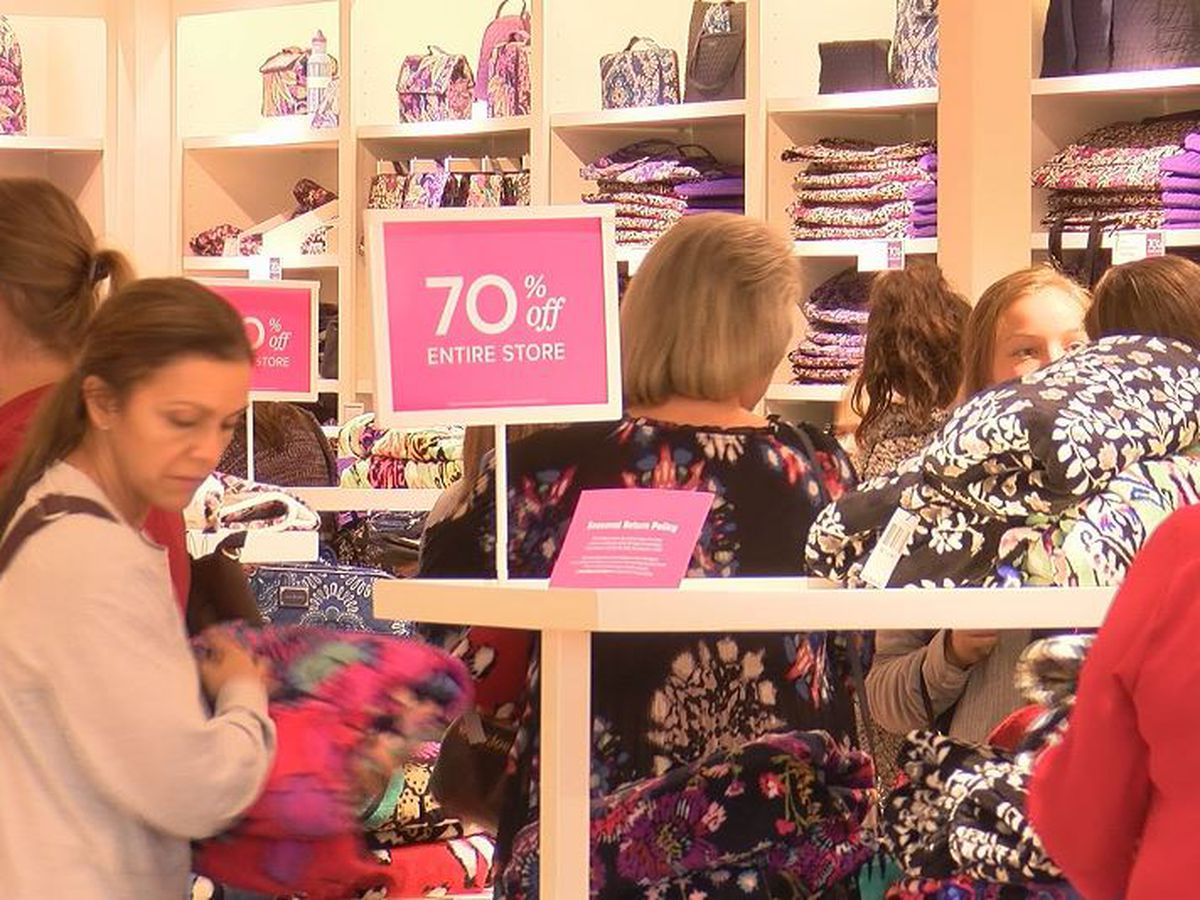 Black Friday shopping? Here're some safety tips