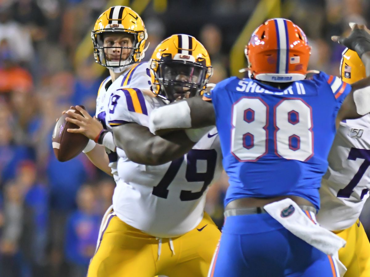 AP Top 25: LSU jumps to No. 2; Upset drops Georgia to No. 10