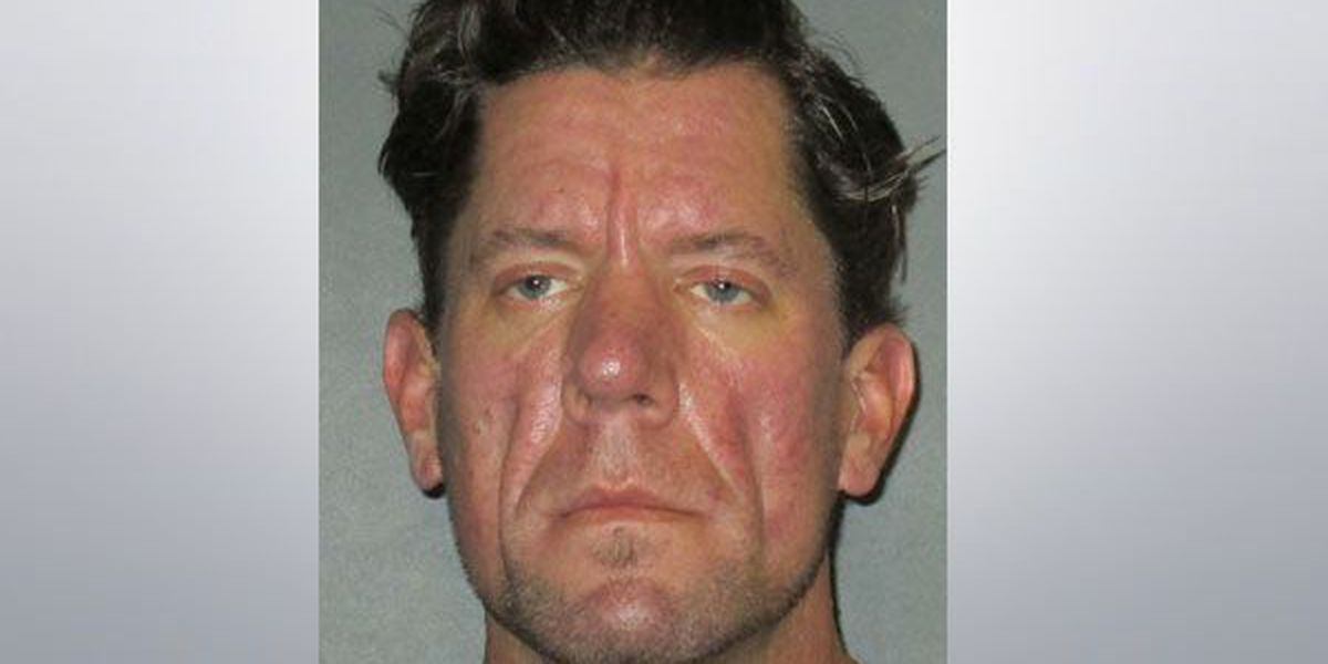 Police: Man asked to feed fish stole, pawned homeowners belongings