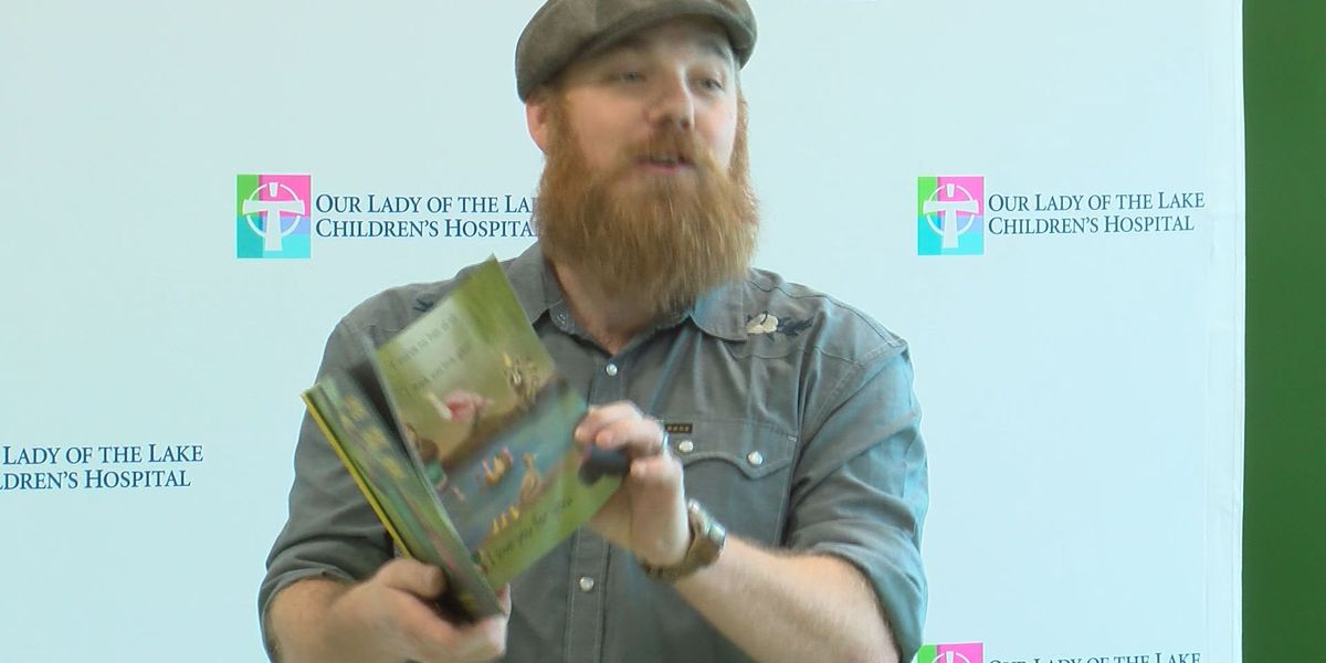Louisiana author, musician serenades patients at children's hospital