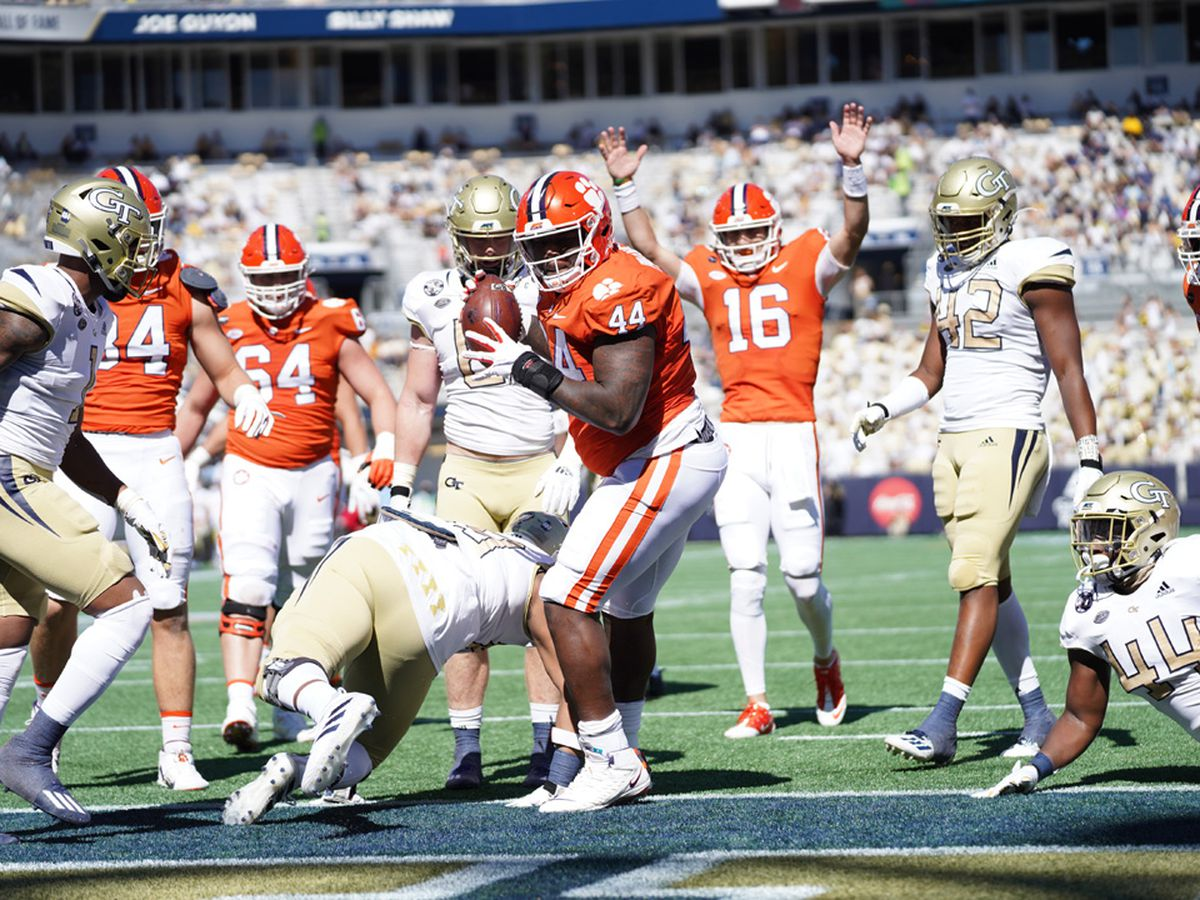 Lawrence throws 5 TDs, No. 1 Clemson rolls past Georgia Tech