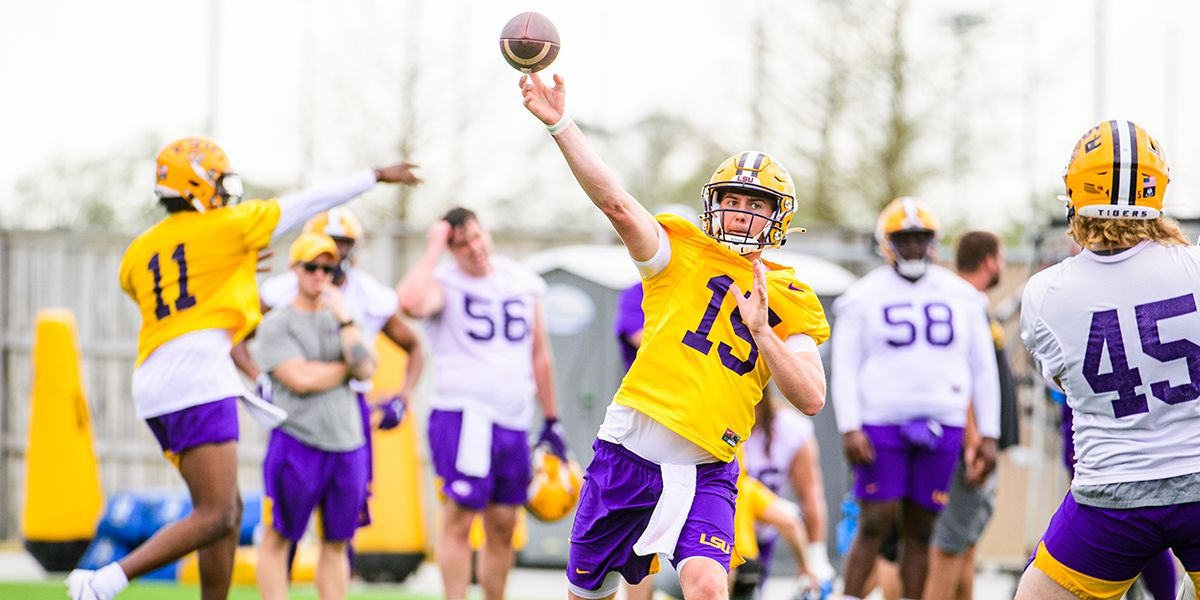 Myles Brennan battles for LSU starting QB job after healing from bizarre abdominal injury