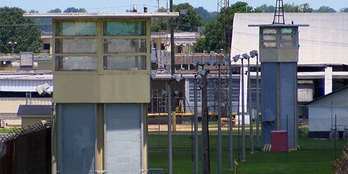 Angola guards thwart prisoner escape attempt
