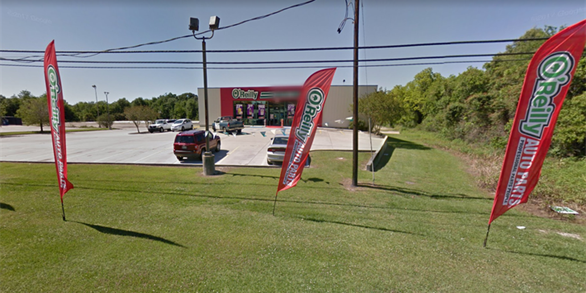 One injured in stabbing at auto parts store