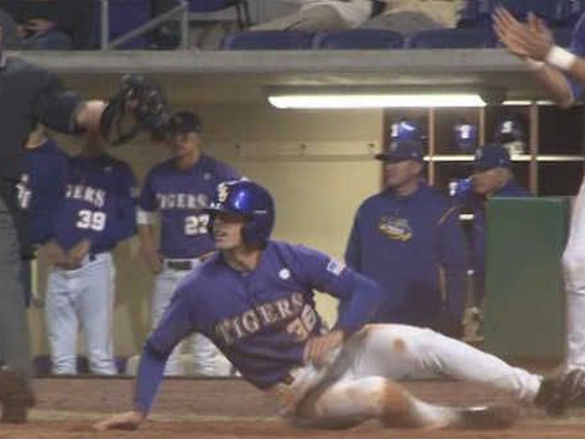 Austin Nola gets the call from Seattle, collects first MLB hit