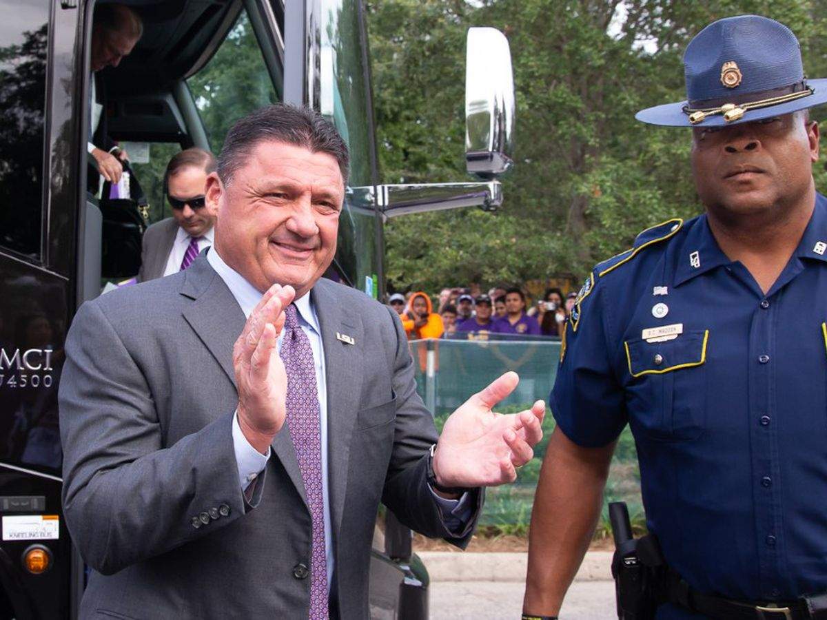 Louisiana state trooper details the unique job of protecting Coach Orgeron