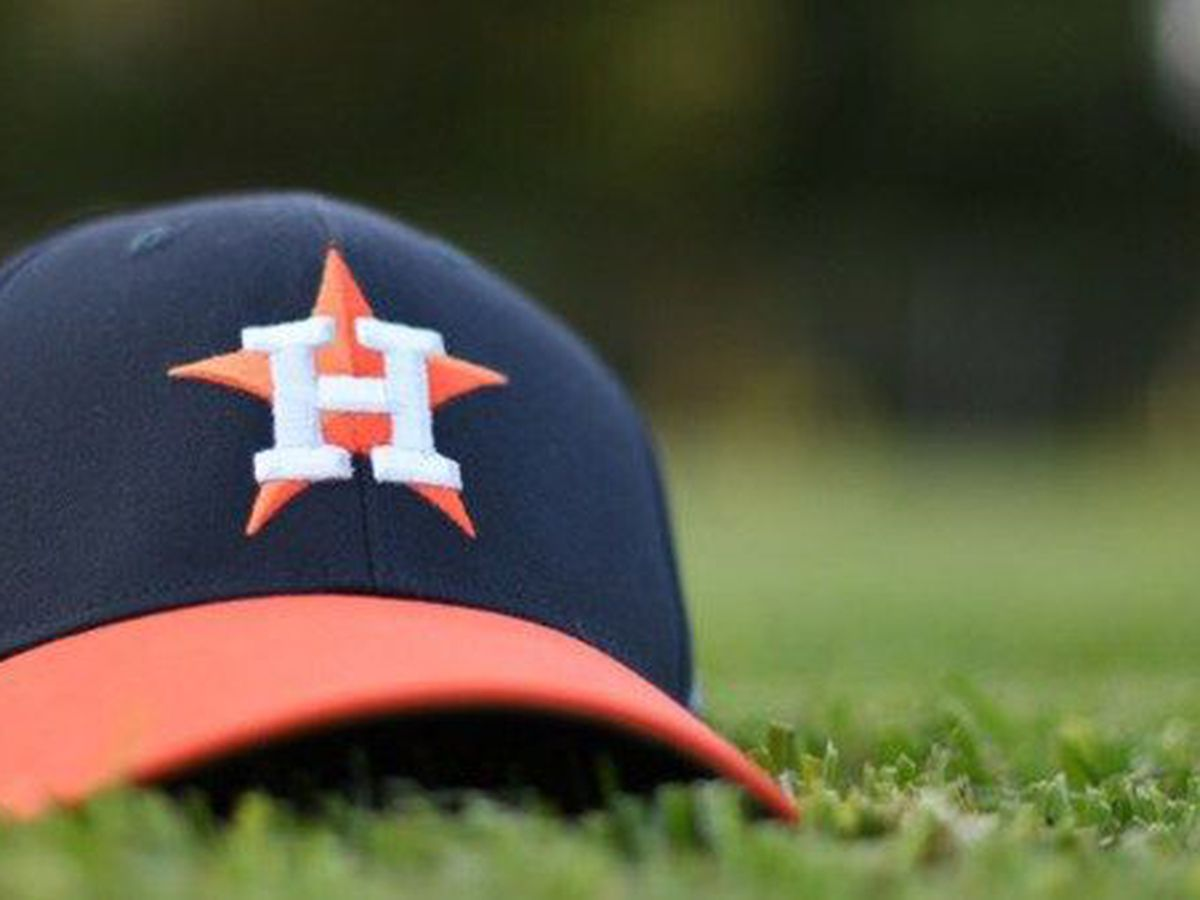 Altuve homers in big inning, Astros beat Angels 11-2