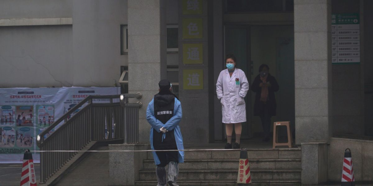 China closes off large city to stop spread of deadly virus
