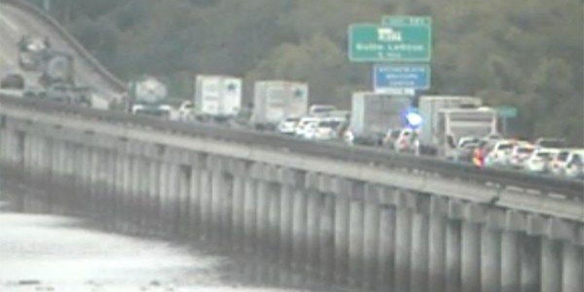 Crash on I-10 East on Atchafalaya Basin Bridge leaves 1 dead