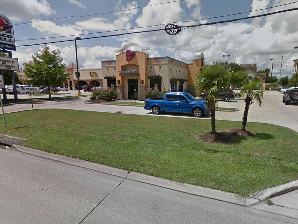 Investigation underway after shooting at Taco Bell near LSU