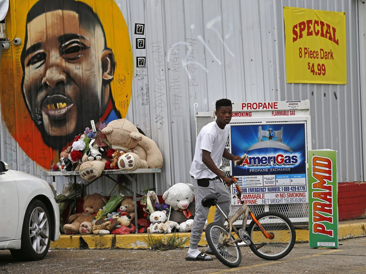 1 officer dismissed from Alton Sterling wrongful death lawsuit