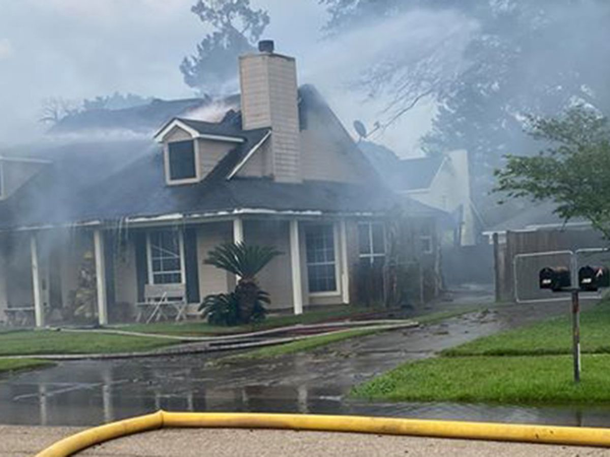 Crews respond to house fire on John Henry Road