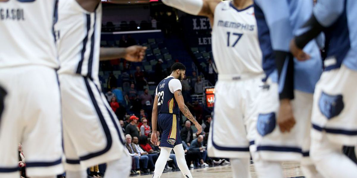 Pelicans squander 8-point lead in final five minutes to fall against Memphis