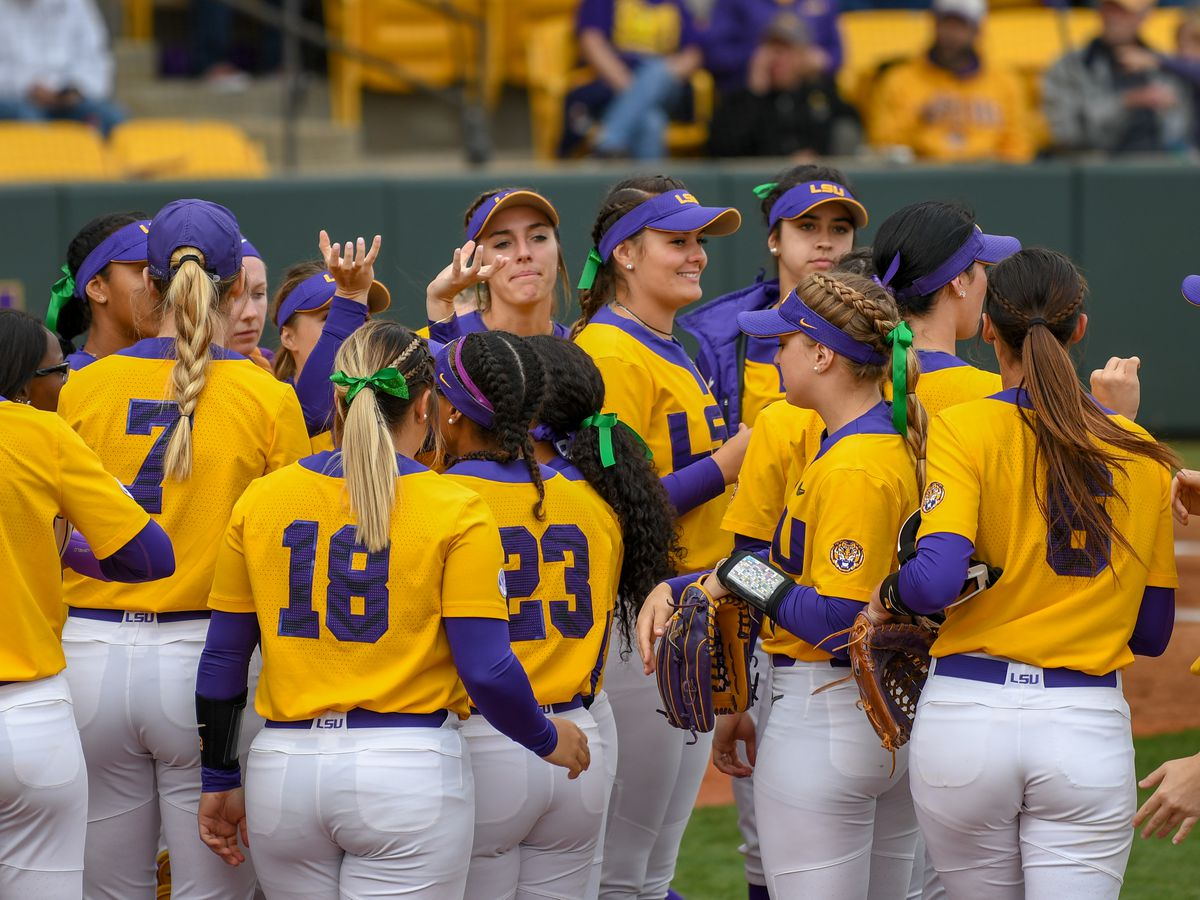 No. 8 LSU softball sweeps No. 12 Georgia