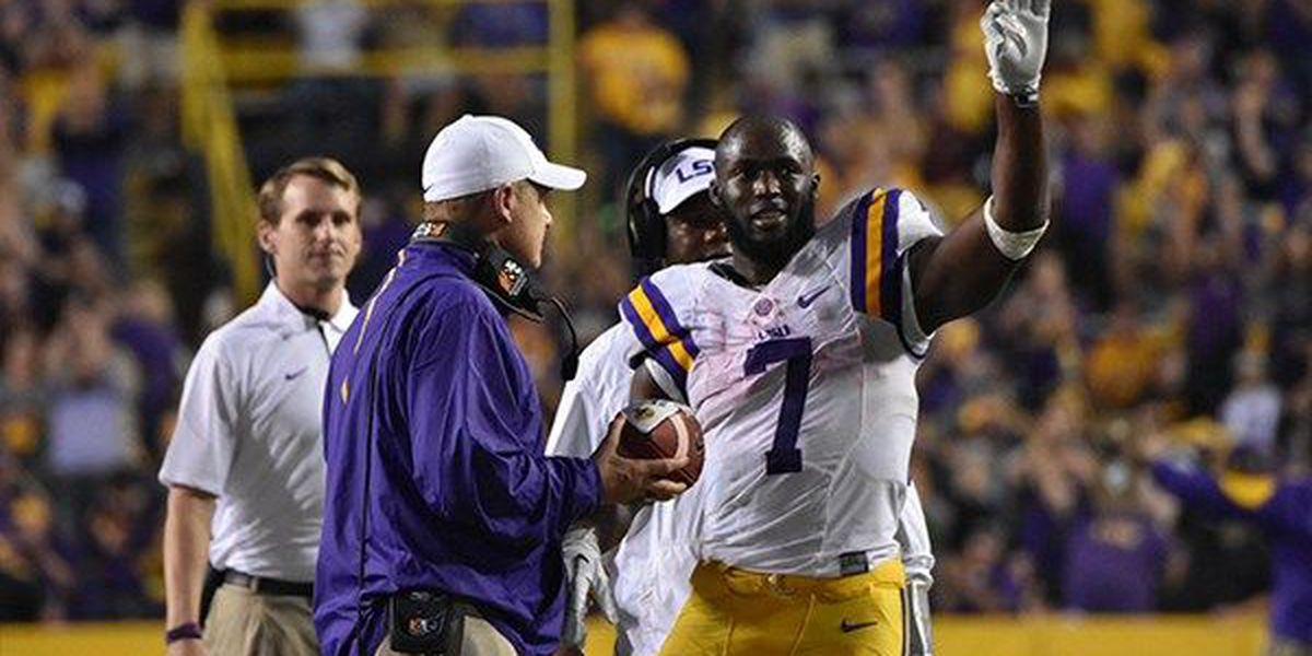 LSU RB Fournette first player in school history to lead nation in rushing