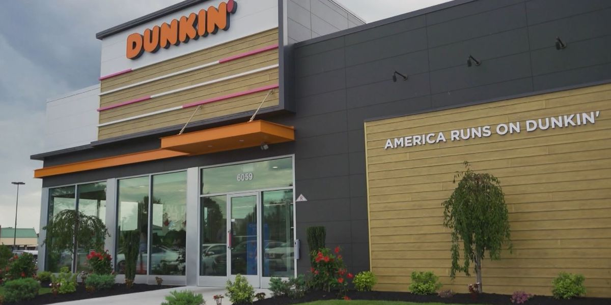Dunkin' to close around 800 US locations