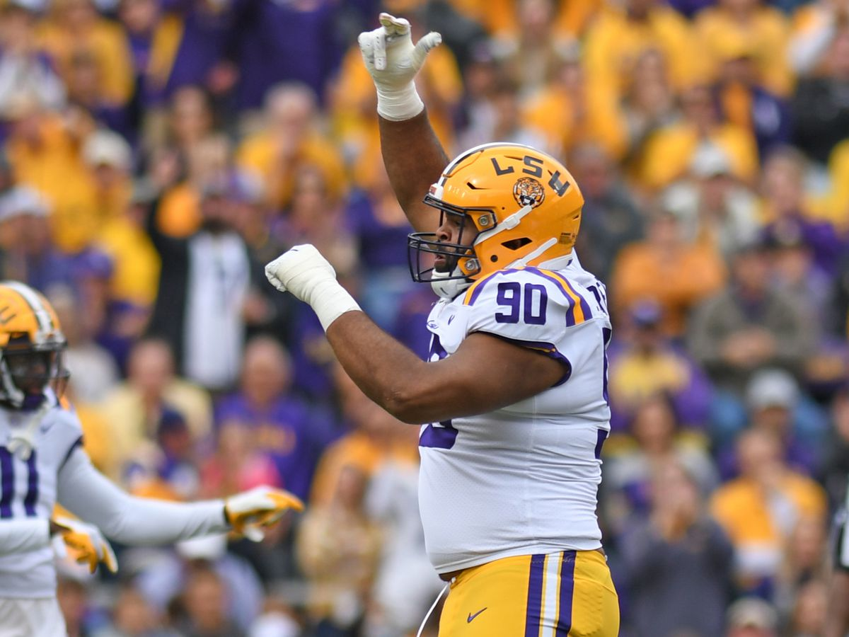 LSU DE Rashard Lawrence receives Lott IMPACT Player of the Week honor