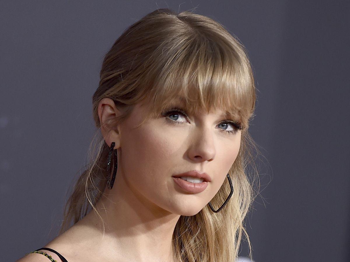 Police: Stalker arrested at Taylor Swift's New York building