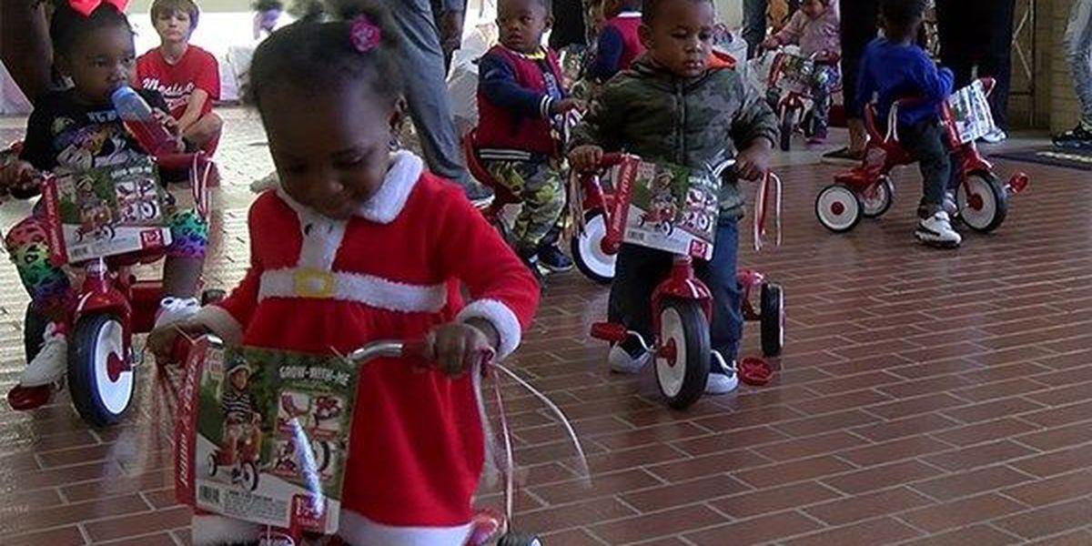 Kids get gifts from Iberville Parish deputies