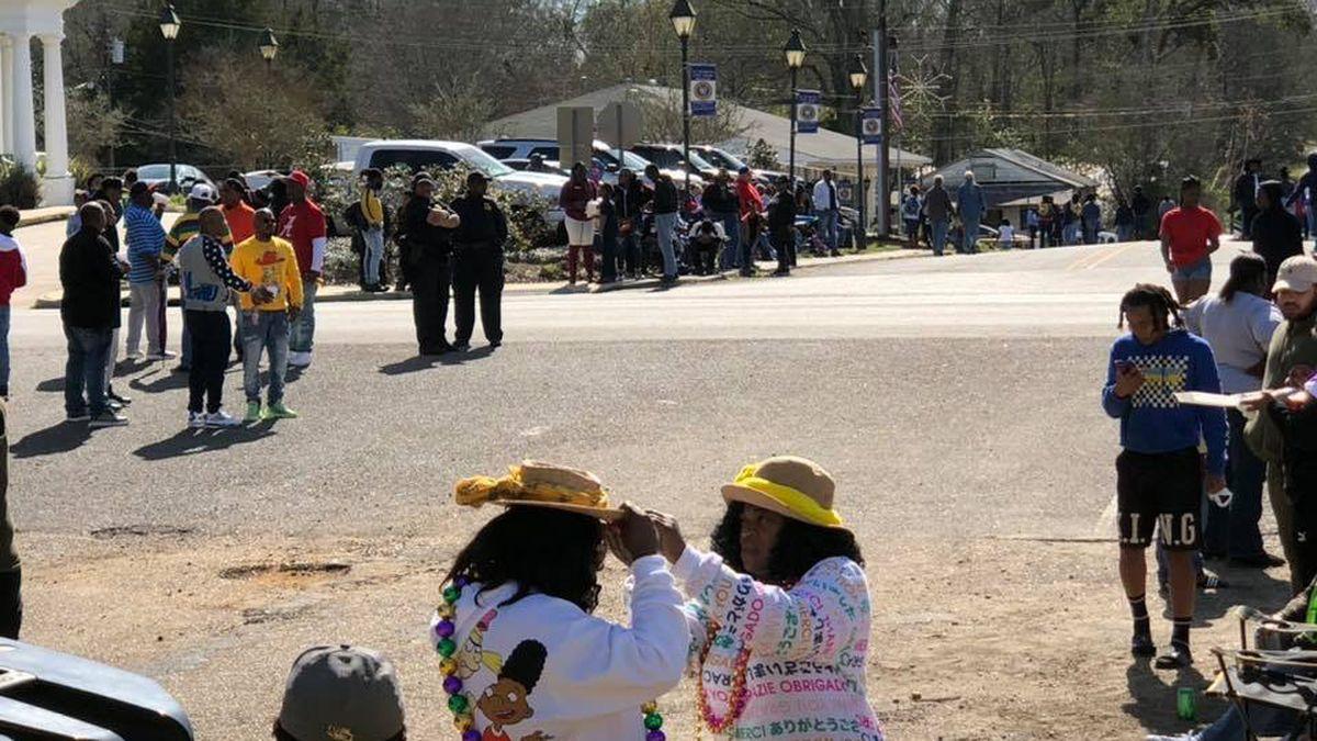 Clinton celebrates Mardi Gras season with 15th annual parade