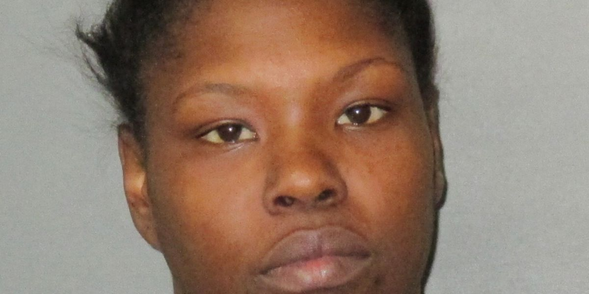 Port Allen woman accused of setting woman's wig on fire