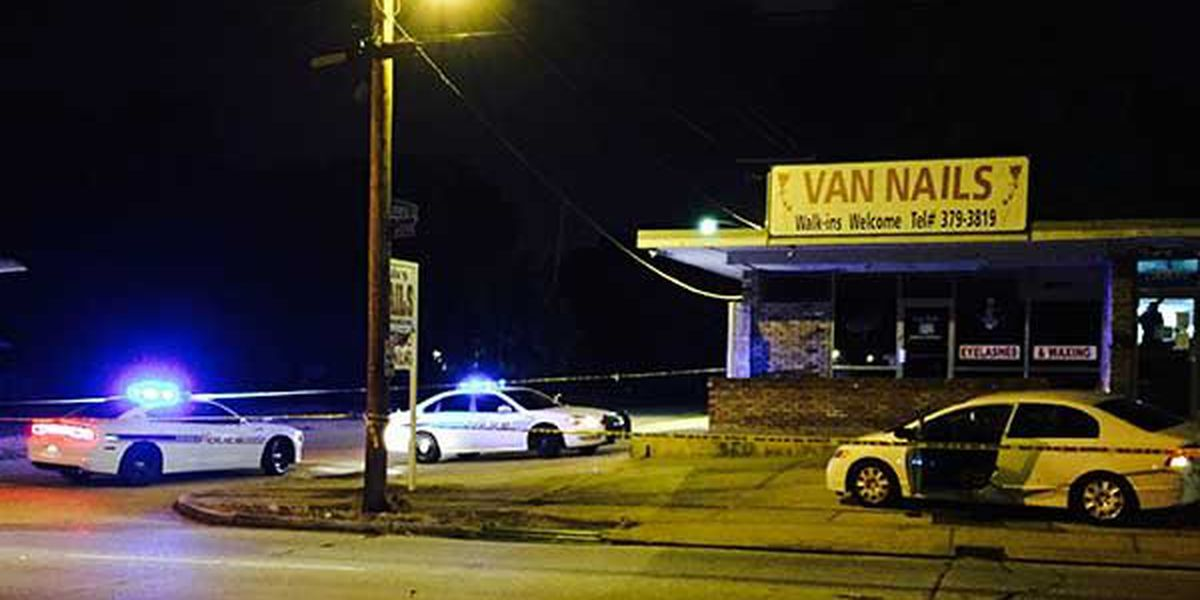 One injured, one dead in two separate Sunday night shootings