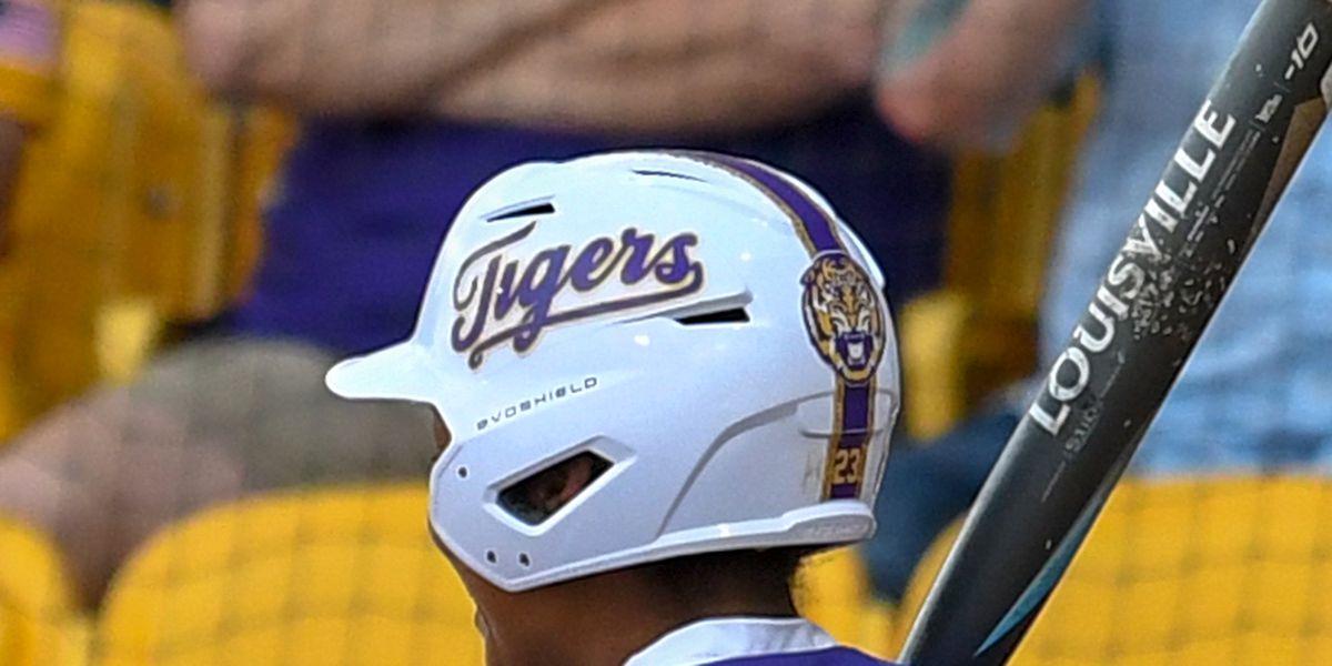 No. 8 LSU softball blasts its way over No. 12 Georgia