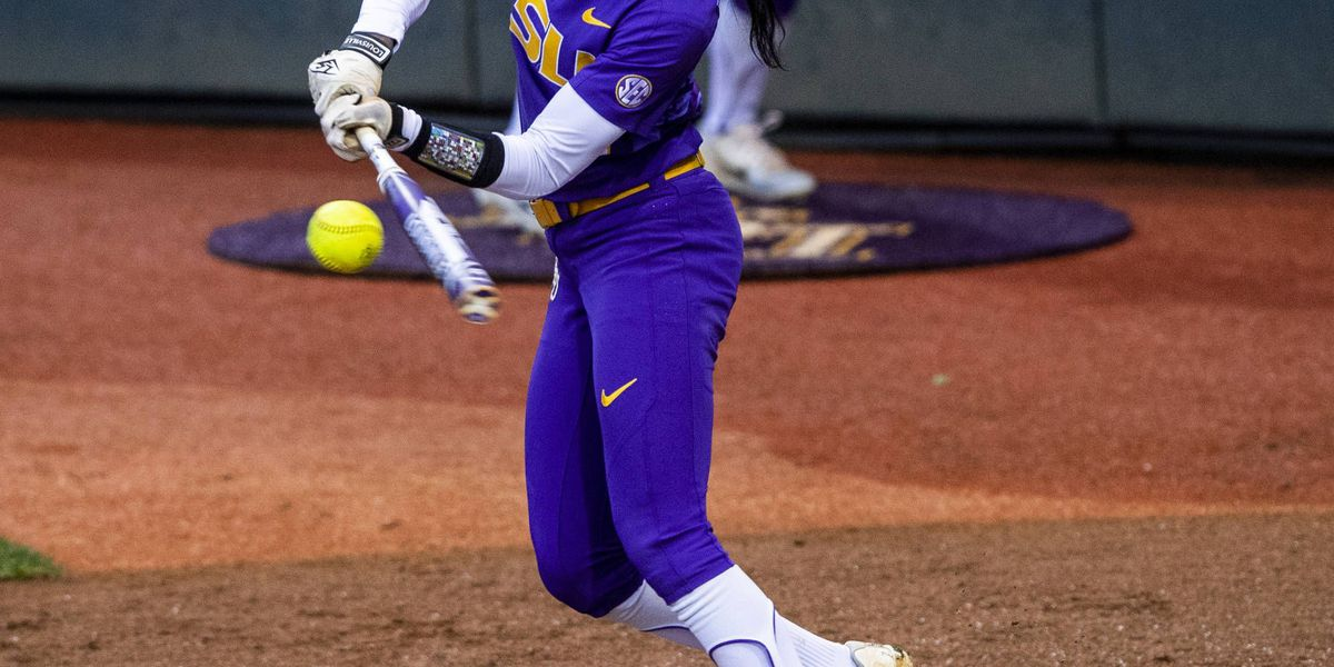 LSU softball drops two to end series at Tennessee