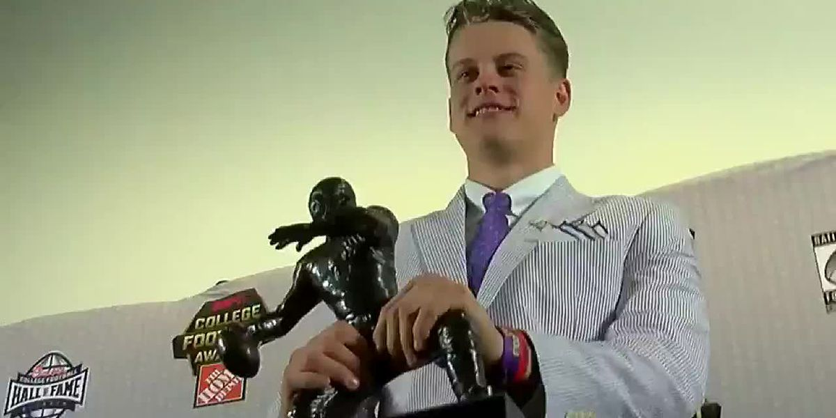 RAW: Joe Burrow wins O'Brien Award