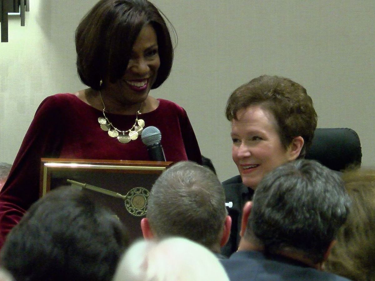 WAFB's Donna Britt honored with Golden Deeds award