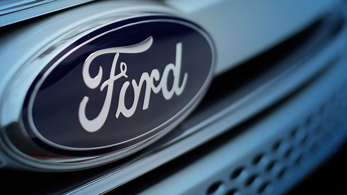 Ford honors schools in Livingston Parish - WAFB