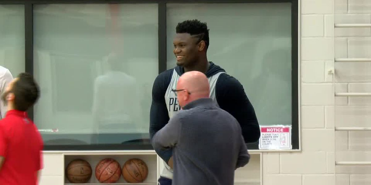 Zion participates in a full practice for the first time since knee surgery